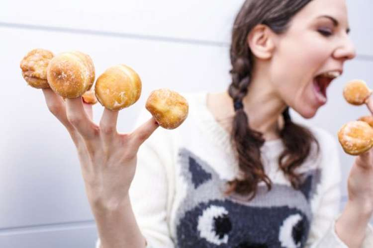 ¿Sufres de hambre emocional? Descubre por qué no puedes parar de comer